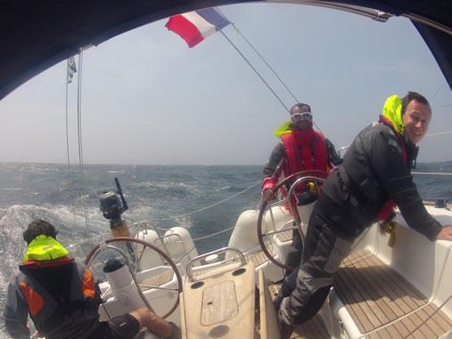 Stage de voile à bord de votre voilier en côtier ou hauturier